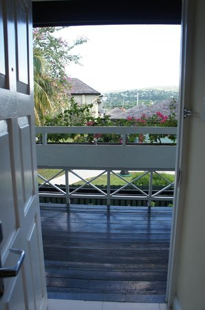 Sandals Montego Bay: door from outside