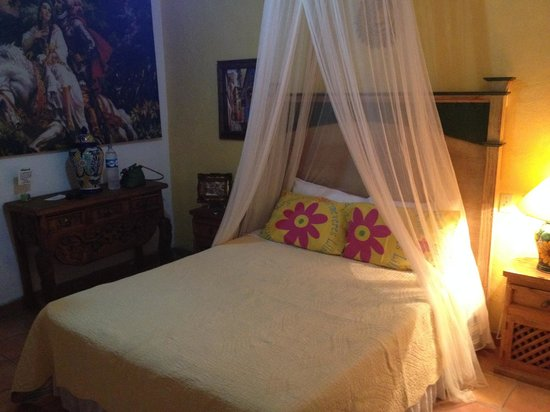 Norman Diego's The Mexican Inn: The bedroom