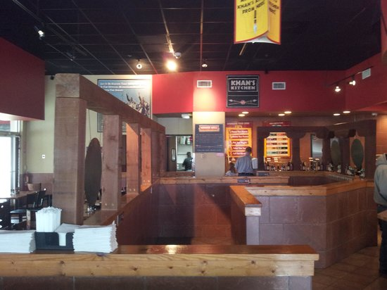 Genghis Grill: Interior