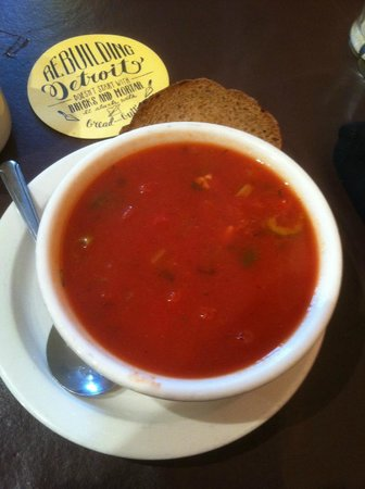 Mudgie's : Chunky tomato soup with chorizo