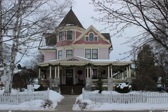 Front of Washburn House - Picture of White Lace Inn ...