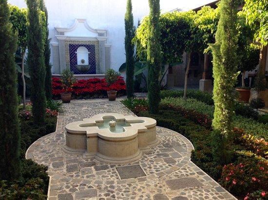 The San Rafael Hotel: Courtyard