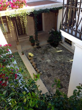 San Rafael Hotel: View from above of King premier suite courtyard