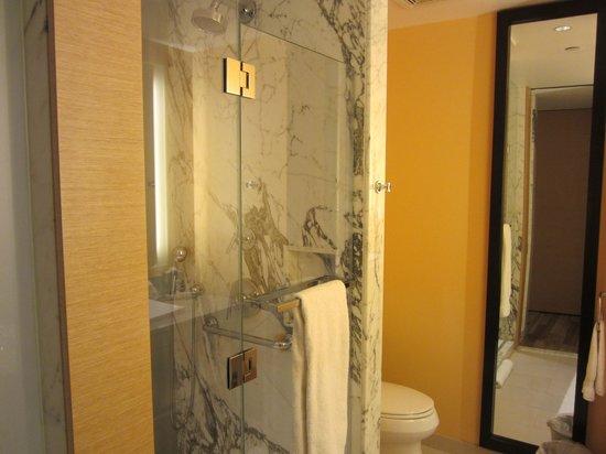 West 57th Street by Hilton Club: Bath