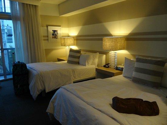 Sense Beach House : Chambre sereine, confortable et propre