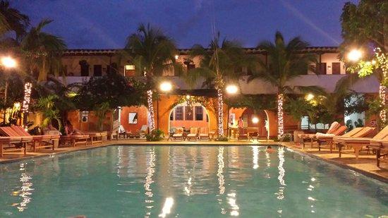 Hotel Mariscal Robledo El Por La Noche Paz Y Descanso