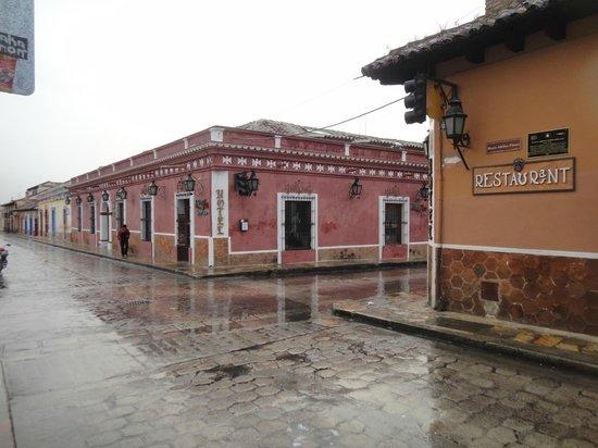 Diego De Mazariegos: afueras hotel