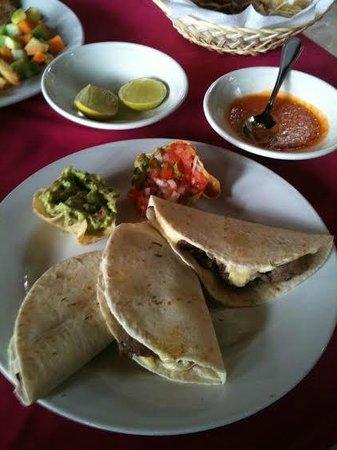 Diego De Mazariegos: comida restaurante