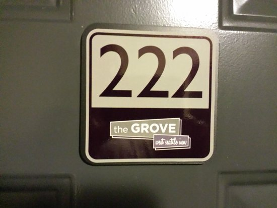 The Grove, West Seattle Inn : Room 222
