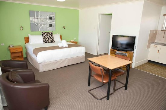 Riviera Motel Bundaberg: Room View 9