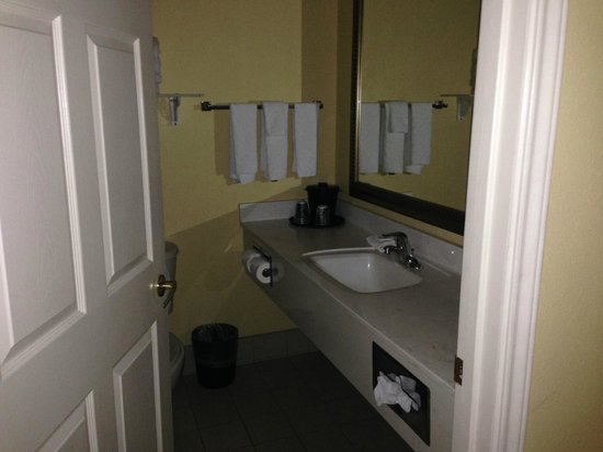 La Quinta Inn & Suites South Padre Island: Bathroom