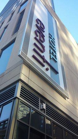 Kimpton Hotel Eventi: Hotel Sign