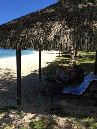 Eratap Beach Resort: Private beach hut