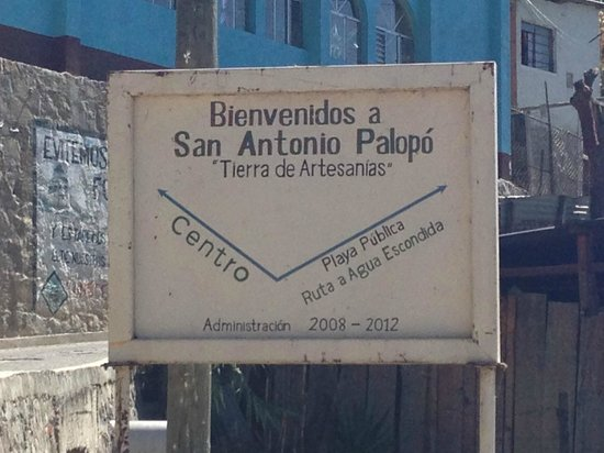 San Antonio Palopo: uphill to the little church and city center