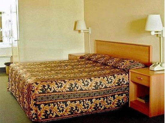 Highway Inn Chula Vista : Single Queen
