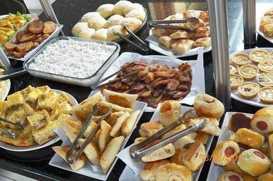 Pousada Villas Do Atlantico: pratos regionais do café da manhã