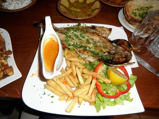 Darna Restaurant: The grilled fish main dish