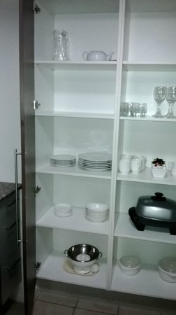Oaks Aurora: 1bed pantry items