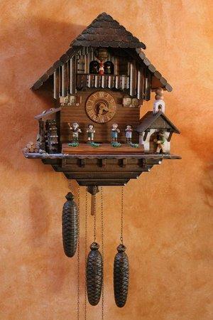 Redlefsen's Rotisserie & Grill : Cookoo Clock