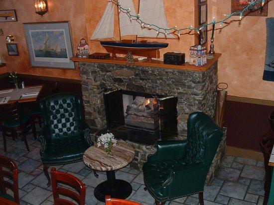 Redlefsen's Rotisserie & Grill : Warm Fire