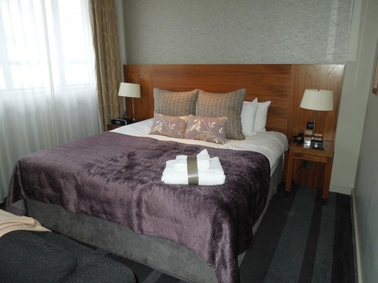 Apex City of London Hotel: Deluxe Room Bed