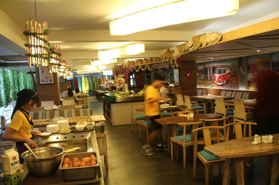 Bliss Surfer Hotel: Breakfast at the reataurant