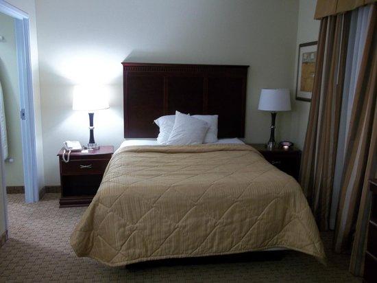MainStay Suites: vista de cama