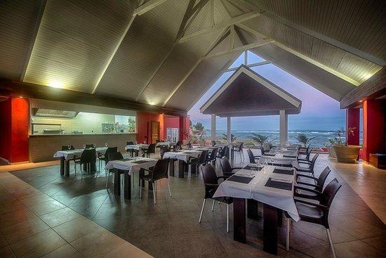 Le Pavillon by the Sea