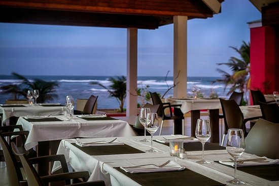 Le Pavillon by the Sea: the restaurant