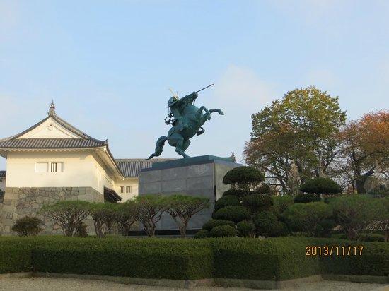 Statue of Mogami Yoshiaki, Yamagata Castle.