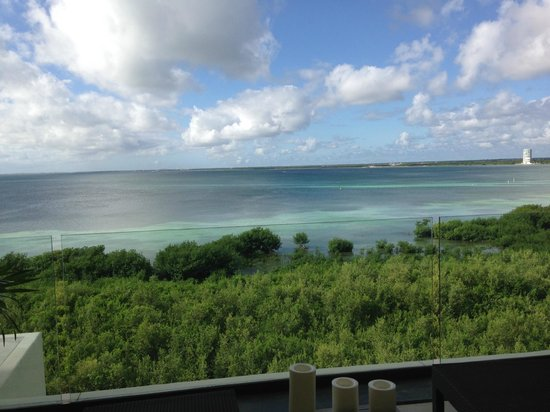 NIZUC Resort and Spa: view from our room in Amate tower