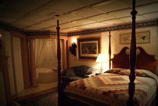 The Polly Harper Inn: Annie Harper Room