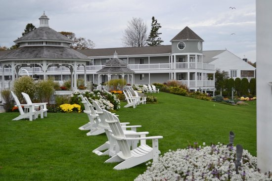 The Anchorage By the Sea: The Grounds