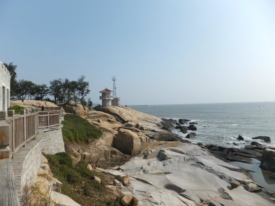 Chongwu Ancient Town : Beautiful view of the sea and the partial view of the walled structure