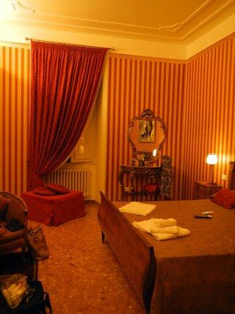 Le Sorelle Lumiere: Room