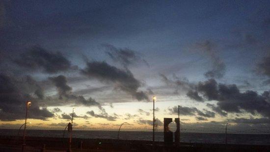 The Waldorf: Sun set
