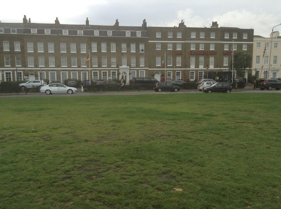The Clarendon Hotel - Blackheath Village: The Clarendon Hotel (facing the heath0