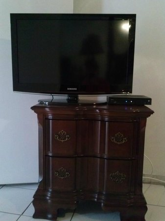 Miami Paradise House: Cable tv