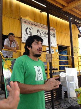 El Galpon - Centro comunal de abastecimiento: Federico describing El Galpon's mission