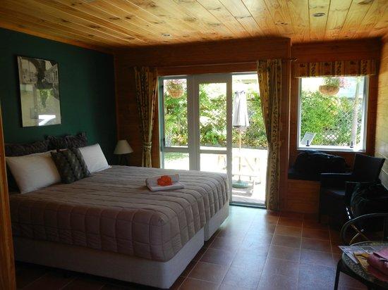 Tatahi Lodge Motel : Room