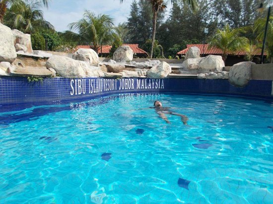 Sibu Island Resort: Pool area