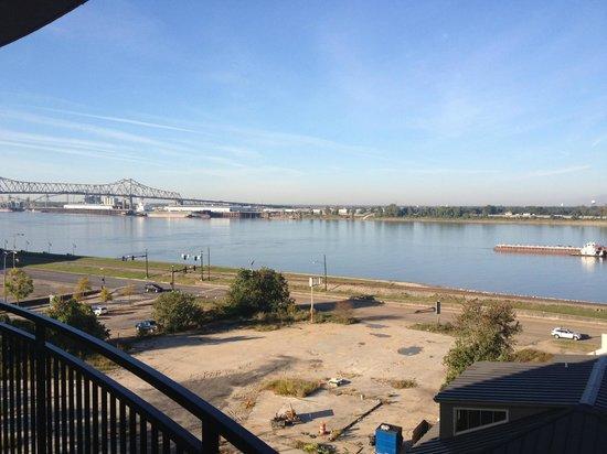 Hampton Inn & Suites Baton Rouge Downtown : View South toward bridge