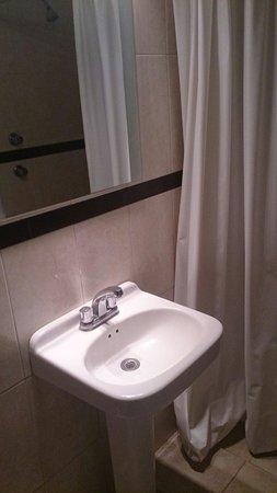 Hotel Principal: Baño