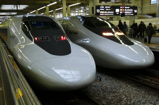 Chugoku, Japan: レールスター700系は主にこだま号で。