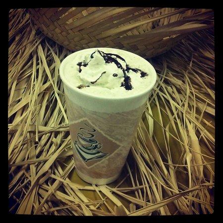 Tiki Hut Oasis: Mocha Latte