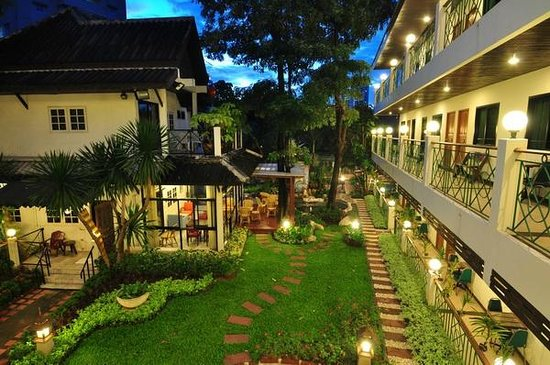 Charlie House Pinklao in the evening.