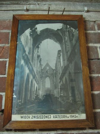 Cathedral of St. John the Baptist: 1945年