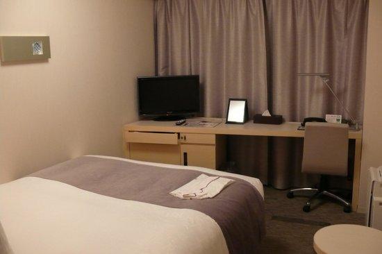 Richmond Hotel Narita: 客室はこんな感じ。比較的広いです。