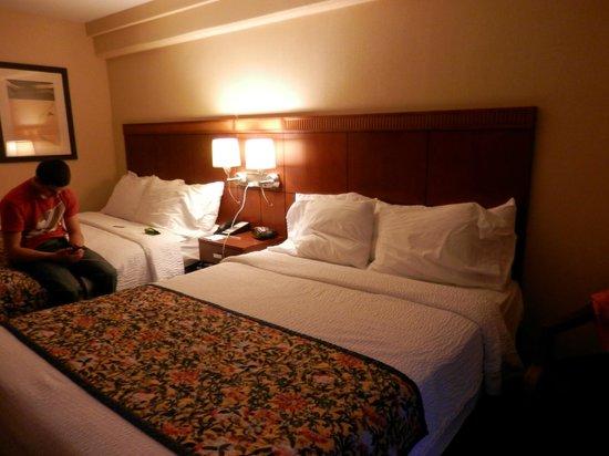 Courtyard by Marriott Jacksonville Beach Oceanfront: Queen/queen rooms
