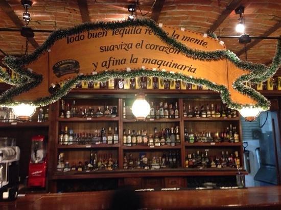 La Destileria: pictures from the bar!